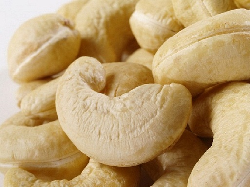 Wanted-WHOLESALER FOR CASHEW